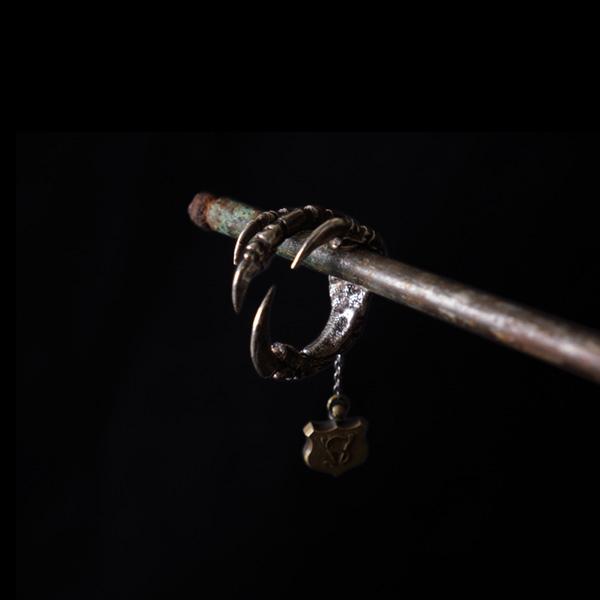 V. Sabrina,サブリナ,シルバー,真鍮,リング,アンティーク,カラス,鴉,爪,足,甲殻類,ネックレス,模型