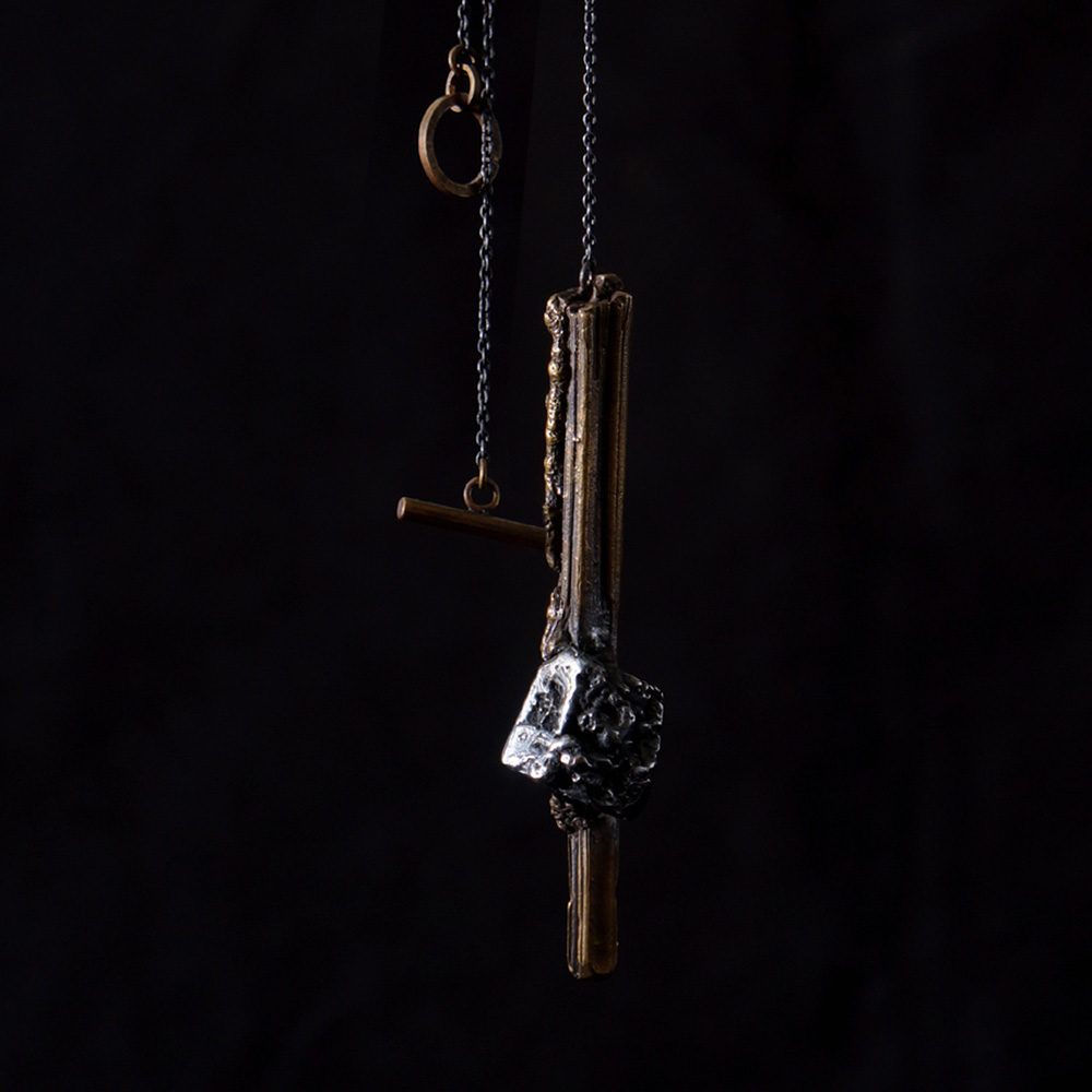 V. Sabrina,サブリナ,シルバー,真鍮,ネックレス,アンティーク,鉱物,斜方晶系,鉱物標本,模型