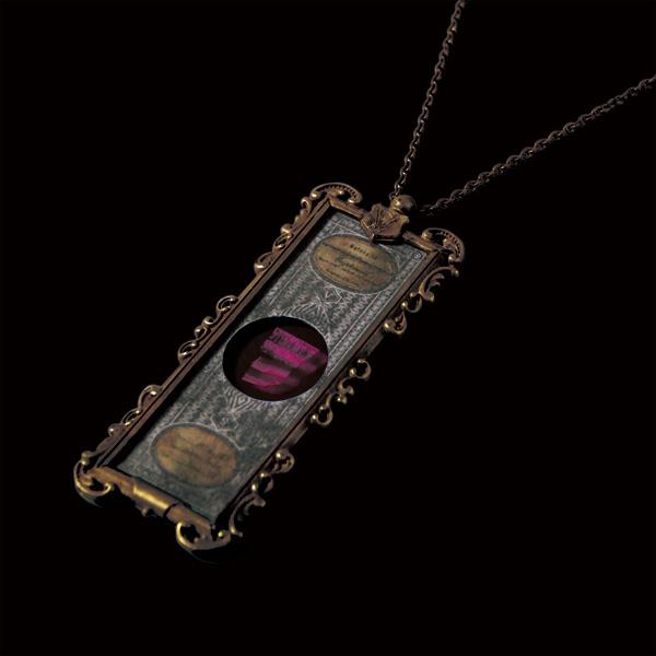 V. Sabrina,アンティーク,ネックレス,真鍮,プレパラート,断面,杉,ゴールド