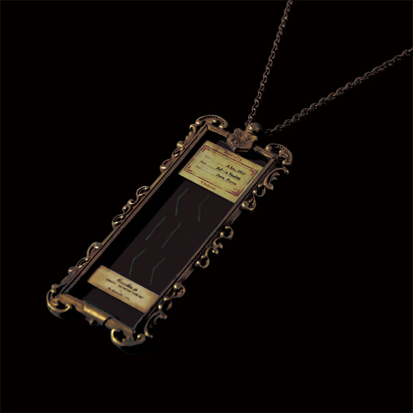 V. Sabrina,アンティーク,ネックレス,真鍮,プレパラート,椿,陰葉,陽葉